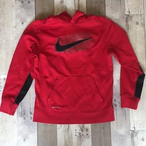 Boys Nike thermal fit red hoodie